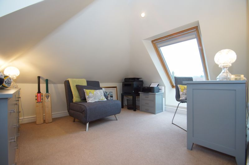 5 bed house for sale in Ham Lane 19
