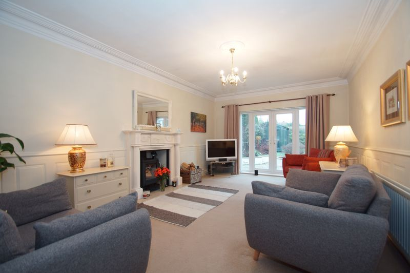 5 bed house for sale in Ham Lane 3