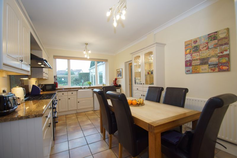 5 bed house for sale in Ham Lane 6