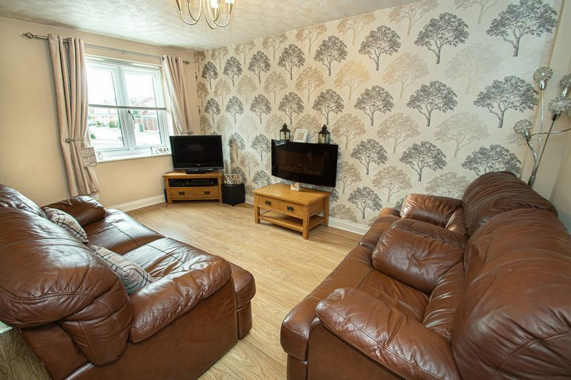 2 bed house for sale in Ensall Drive 6