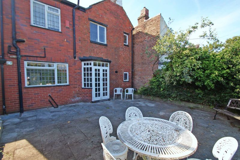 4 bed house for sale in Love Lane 19