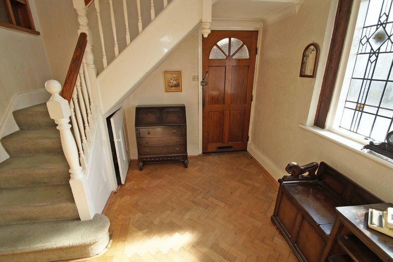 4 bed house for sale in Love Lane  - Property Image 3