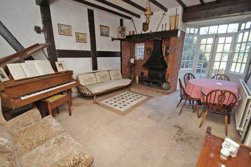 4 bed house for sale in Love Lane  - Property Image 5