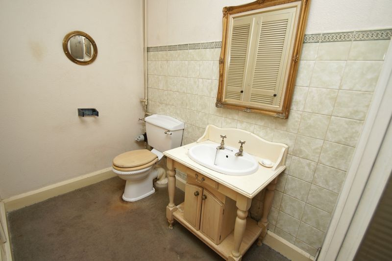 4 bed house for sale in Love Lane  - Property Image 10