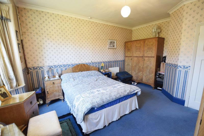 2 bed bungalow for sale in Duncombe Street 10