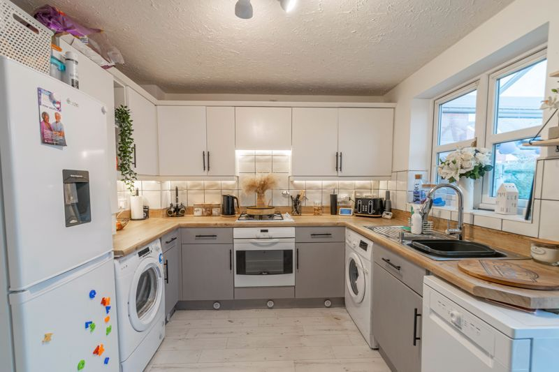 2 bed house for sale in Appletree Lane 2