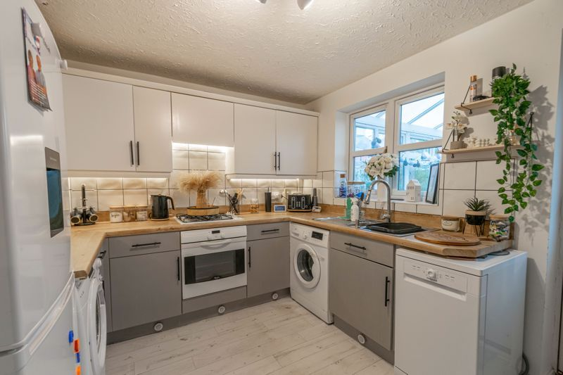 2 bed house for sale in Appletree Lane 3