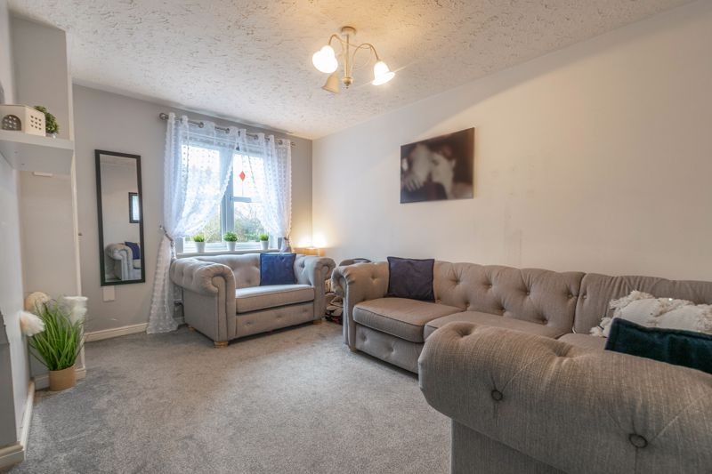 2 bed house for sale in Appletree Lane 4