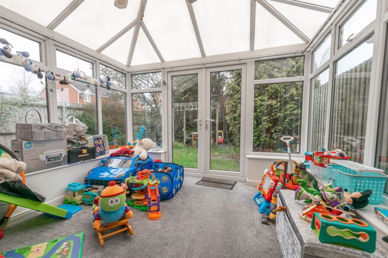 2 bed house for sale in Appletree Lane 6