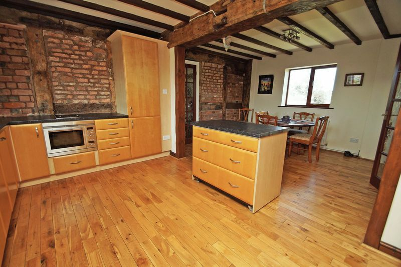 4 bed  for sale in Grafton Lane 12