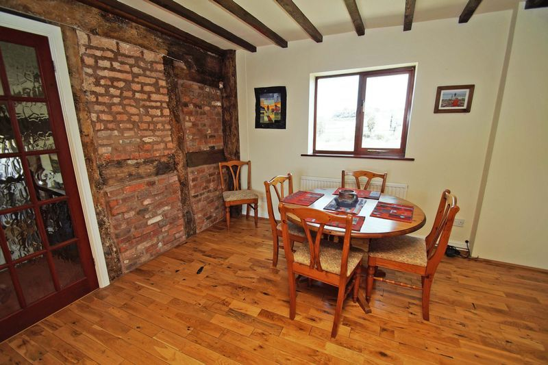 4 bed  for sale in Grafton Lane 13