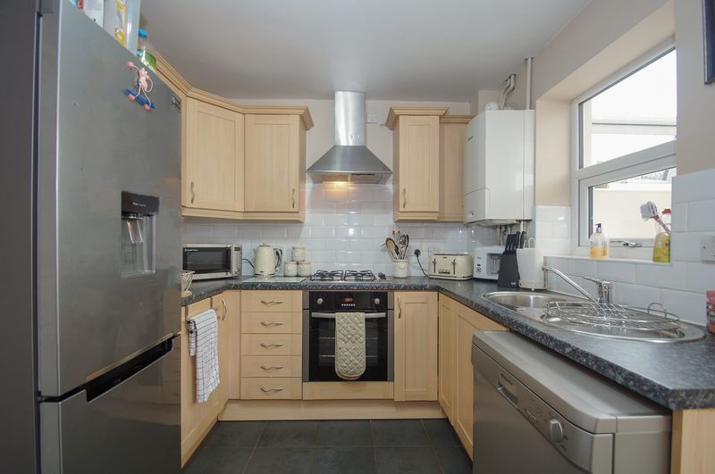 2 bed house for sale in Perryfields Close  - Property Image 6