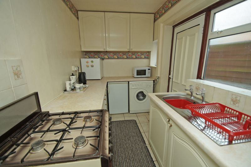3 bed house for sale in Bromsgrove Road 6