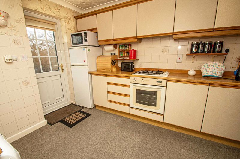 4 bed house for sale in Edgmond Close  - Property Image 6