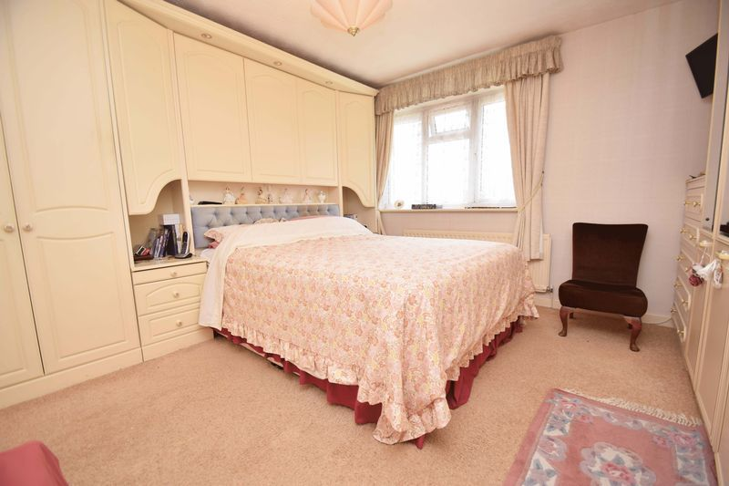 4 bed house for sale in Cornwell Close  - Property Image 13