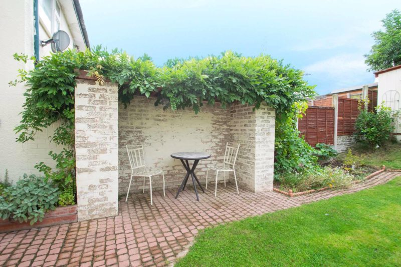 3 bed house for sale in Dunsley Road 11