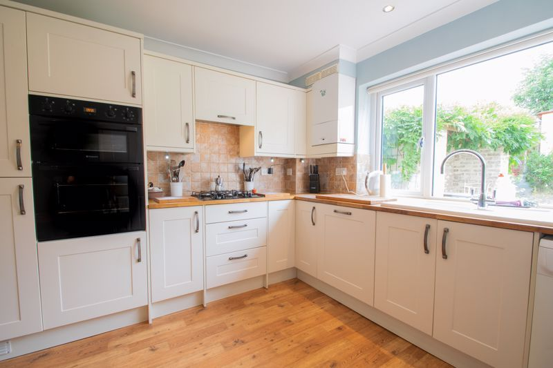 3 bed house for sale in Dunsley Road  - Property Image 5
