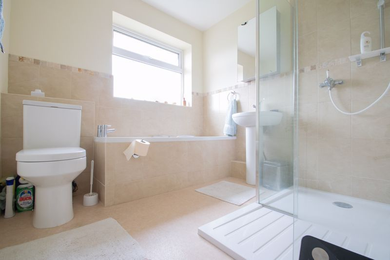 3 bed house for sale in Dunsley Road  - Property Image 10