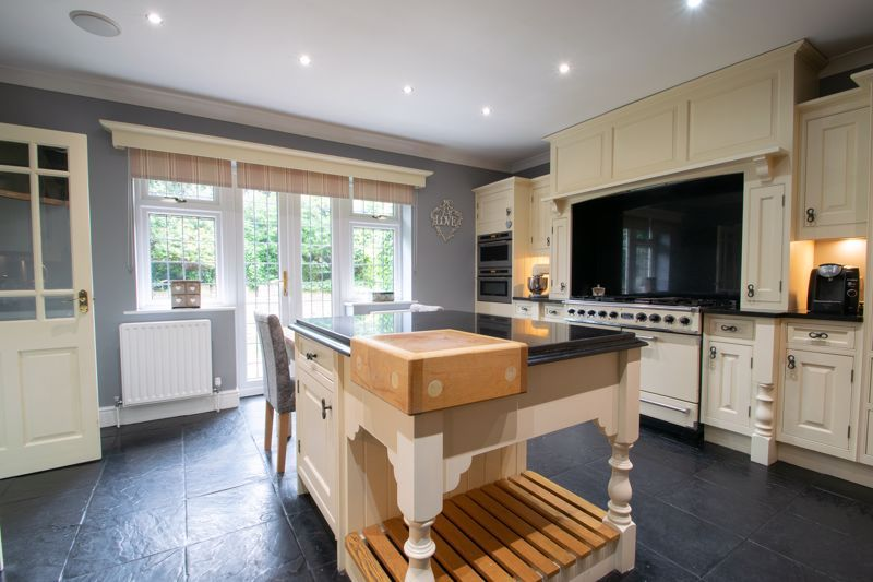 6 bed house for sale in Pear Tree Drive  - Property Image 5