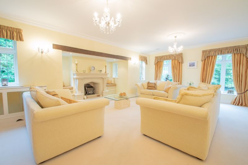 6 bed house for sale in Pear Tree Drive 9