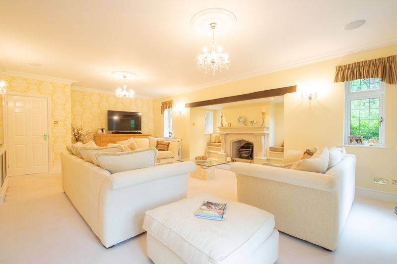 6 bed house for sale in Pear Tree Drive  - Property Image 10