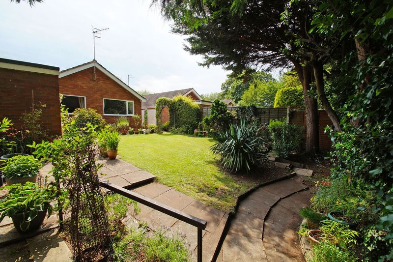 2 bed bungalow for sale in Manor Court Road  - Property Image 13