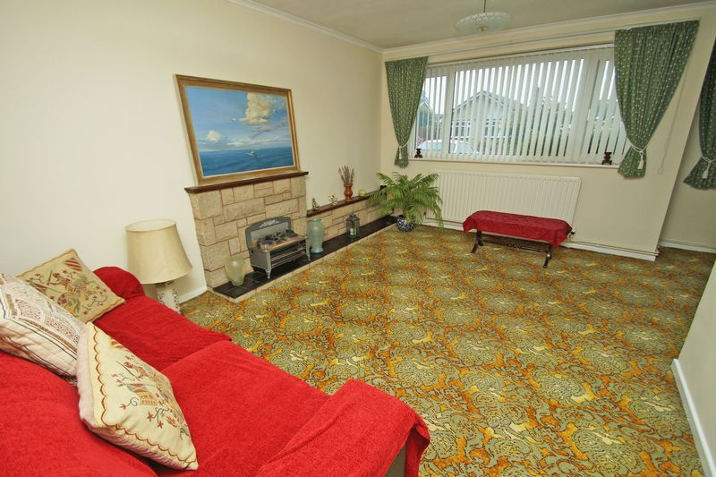 2 bed bungalow for sale in Manor Court Road 3