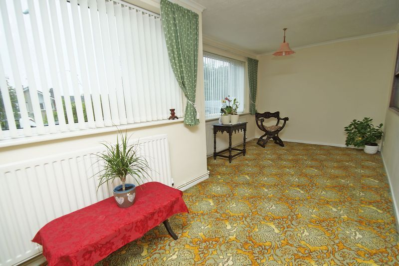 2 bed bungalow for sale in Manor Court Road 4