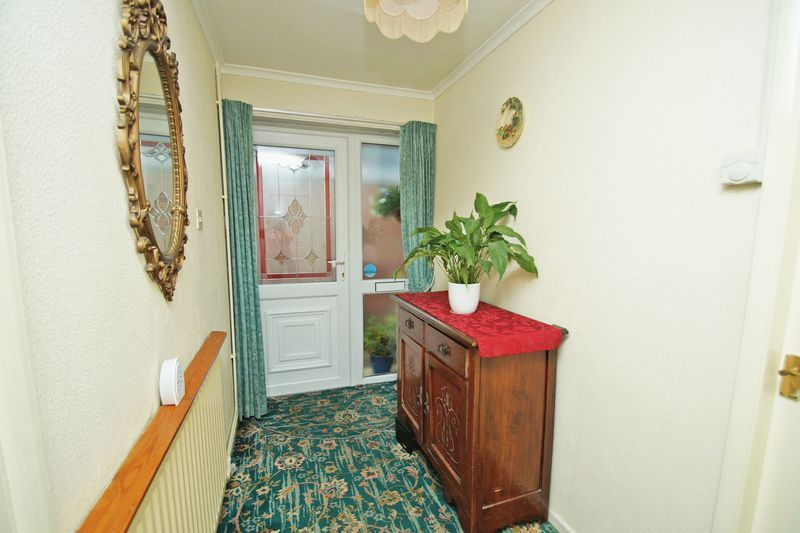 2 bed bungalow for sale in Manor Court Road  - Property Image 10