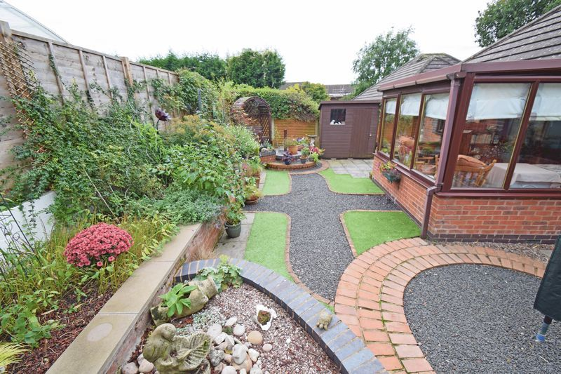 2 bed bungalow for sale in The Brambles 11
