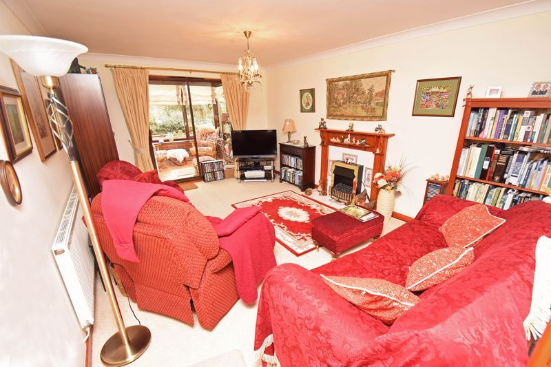 2 bed bungalow for sale in The Brambles 3