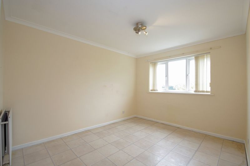 1 bed flat for sale in Dolben Lane 5