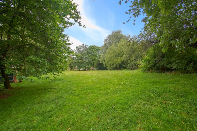 1 bed flat for sale in Dolben Lane 7