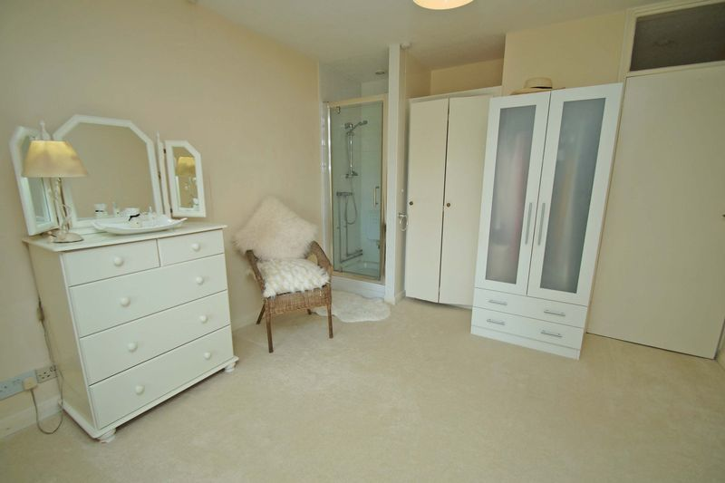 3 bed bungalow for sale in Love Lane 12