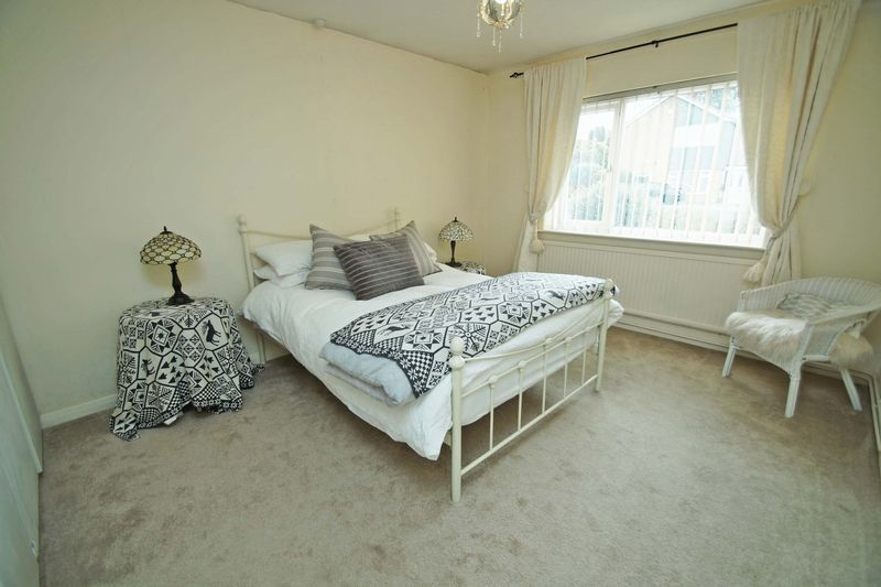 3 bed bungalow for sale in Love Lane  - Property Image 13