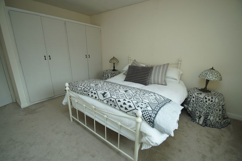 3 bed bungalow for sale in Love Lane 14