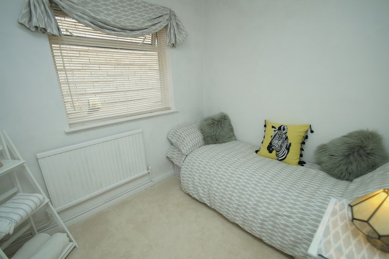 3 bed bungalow for sale in Love Lane 15