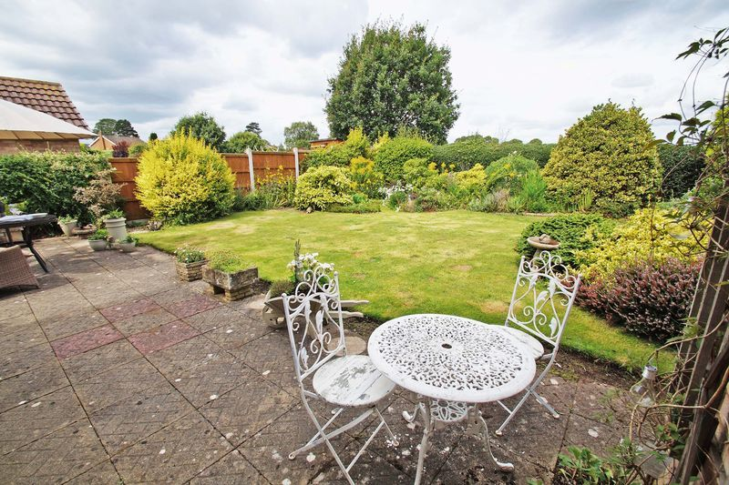 3 bed bungalow for sale in Love Lane  - Property Image 19