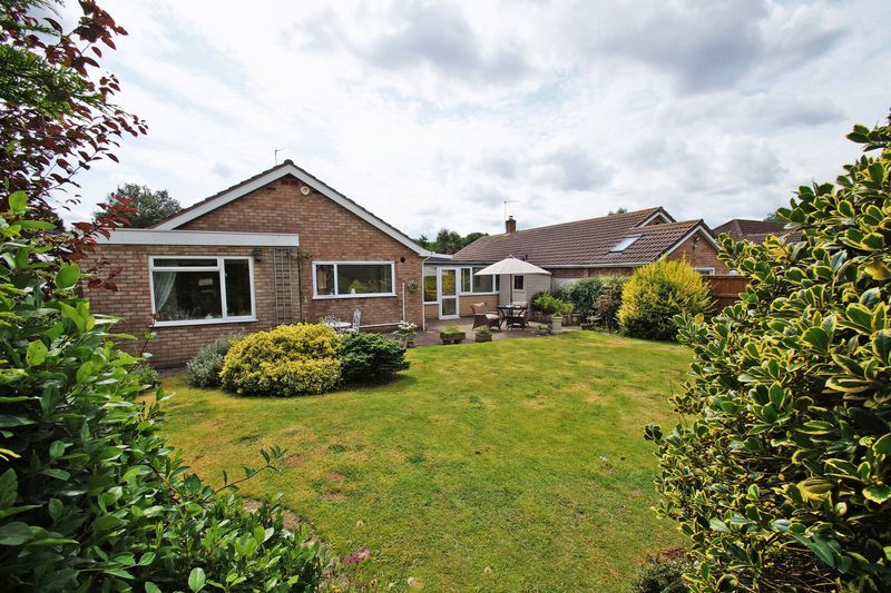 3 bed bungalow for sale in Love Lane 20