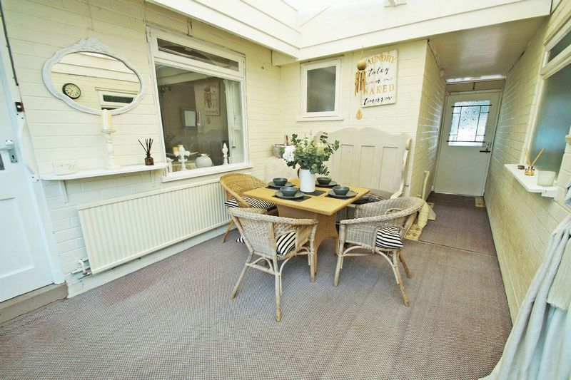 3 bed bungalow for sale in Love Lane 5