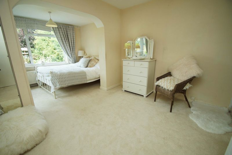 3 bed bungalow for sale in Love Lane 10