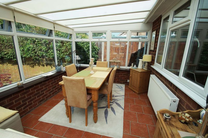 2 bed bungalow for sale in Tennyson Road  - Property Image 5