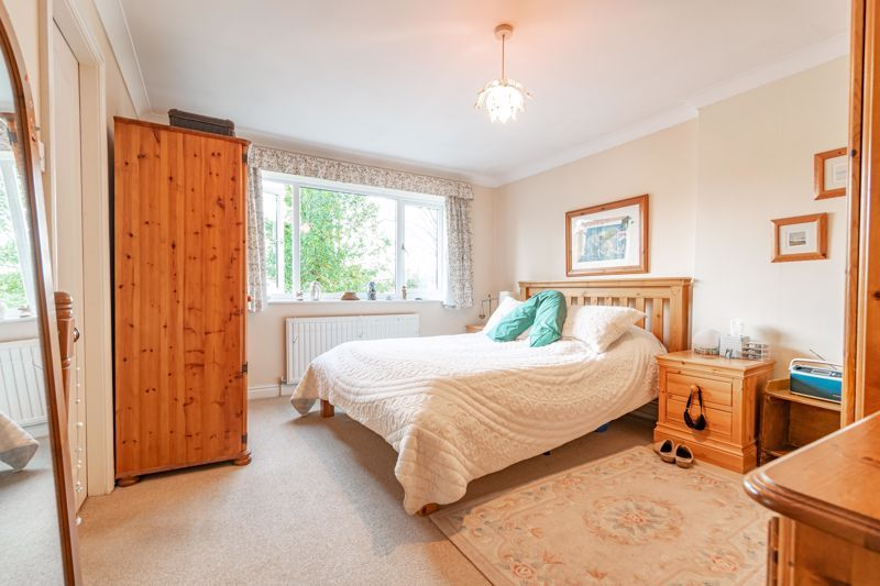 4 bed house for sale in Worcester Street 12