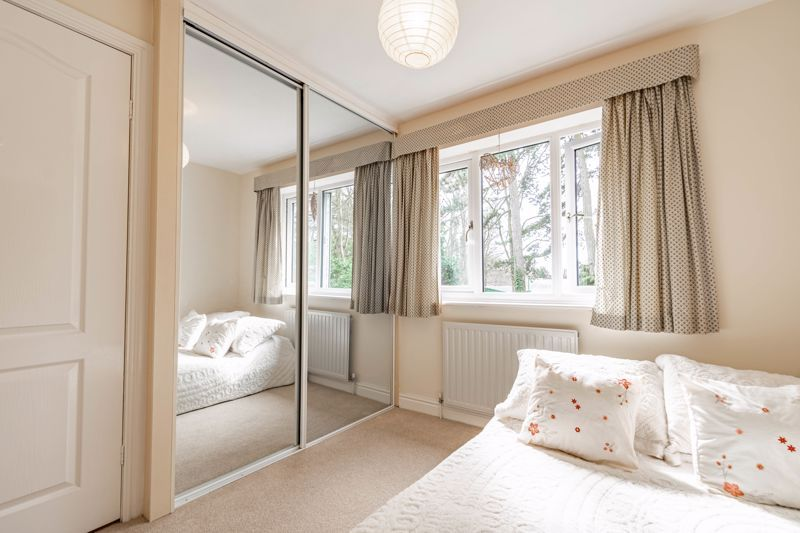 4 bed house for sale in Worcester Street 16