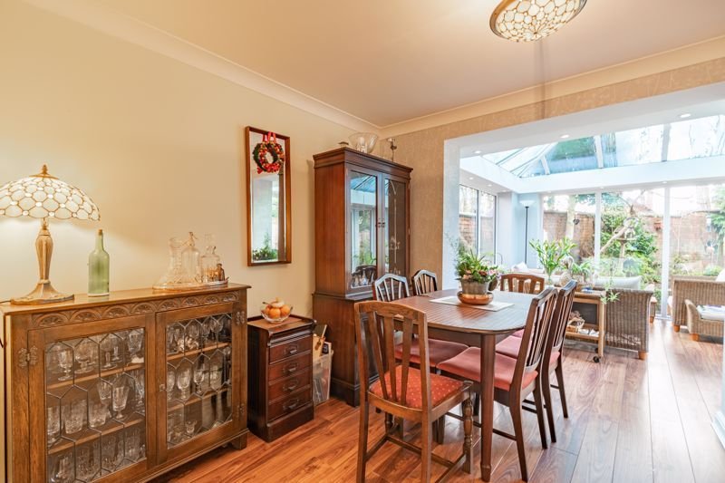 4 bed house for sale in Worcester Street 6