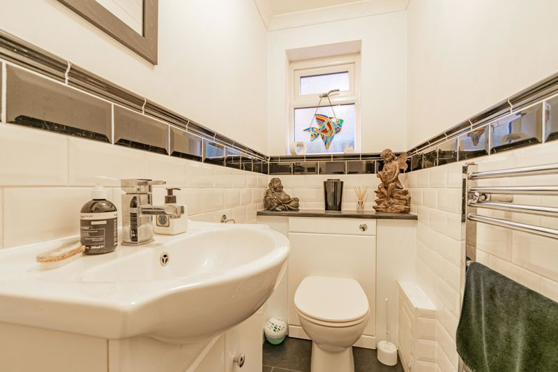 4 bed house for sale in Worcester Street 10