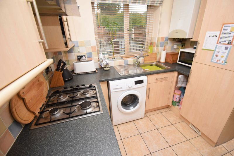 2 bed house for sale in Kinver Street 5