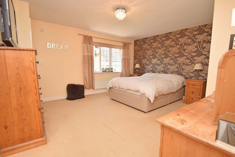 5 bed house for sale in Feckenham Road  - Property Image 5