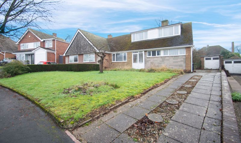 3 bed bungalow for sale in Lychgate Avenue - Property Image 1