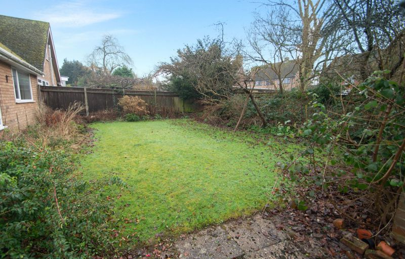 3 bed bungalow for sale in Lychgate Avenue 14
